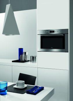 Küche in weiß mit blau