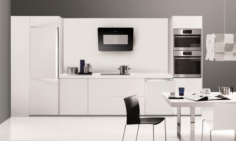 whirlpool backofen und dunstabzugshaube bewusst haushalten. Black Bedroom Furniture Sets. Home Design Ideas