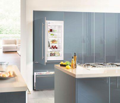 Kühlschrank in Küche hellblau