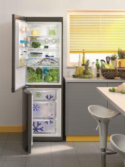 Kühlschrank voll mit Gemüse