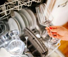 In moderne Spülmaschinen dürfen auch Weingläser