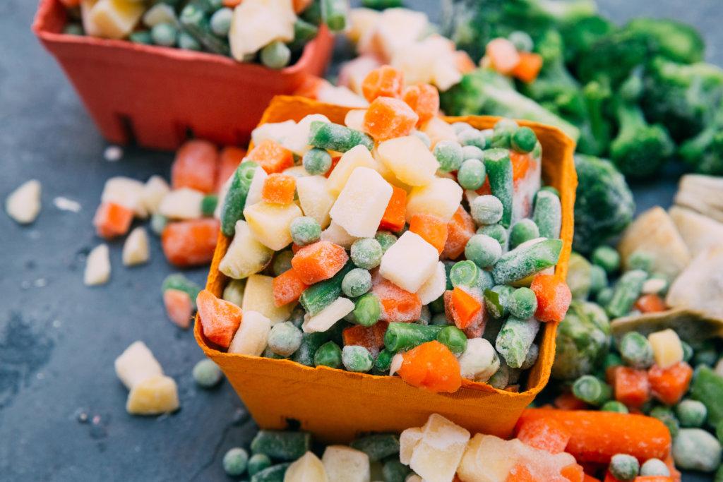 Nicht jedes Obst und Gemüse eignet sich zum Einfrieren Credit: iStock-804682242