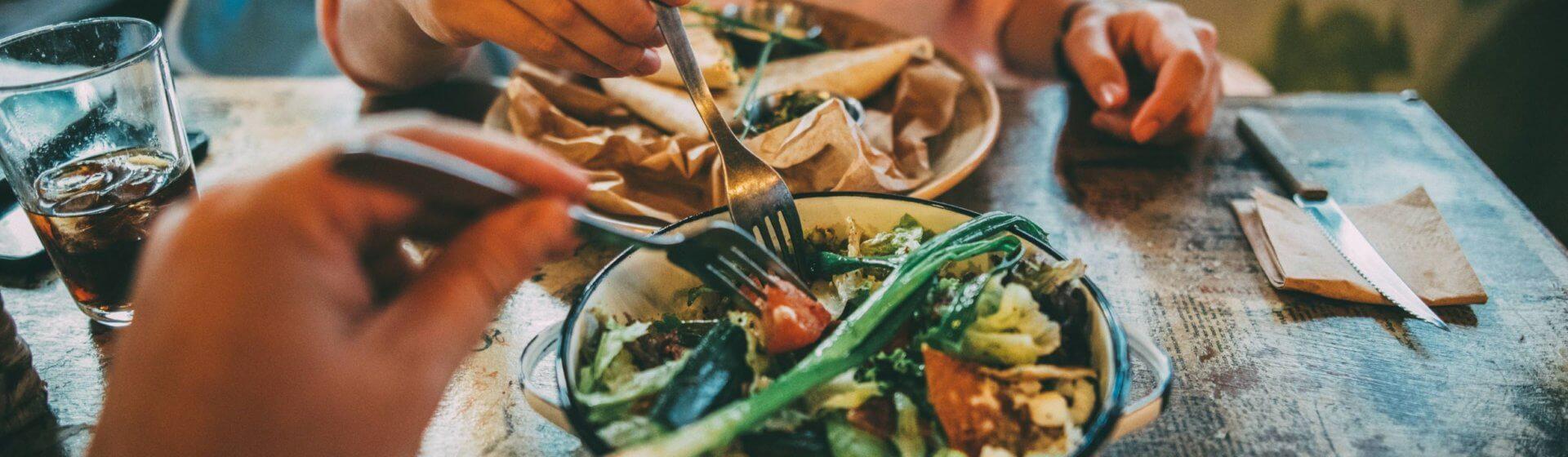 Gemüse als vollwertige Hauptspeise beim Essen